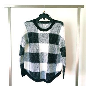 🆕 Plaid Sweater